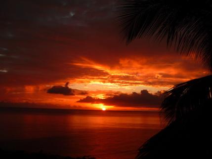 Profitez des couchers de soleil sur la plage de Bouillante