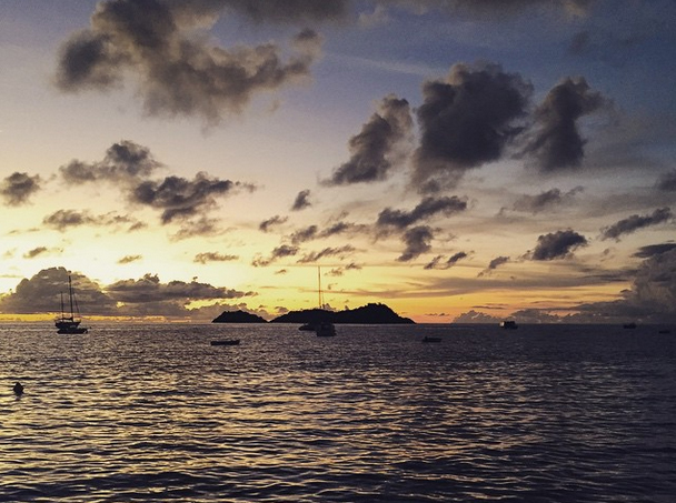 Couché de soleil sur la Réserve Cousteau depuis le club Atlantis